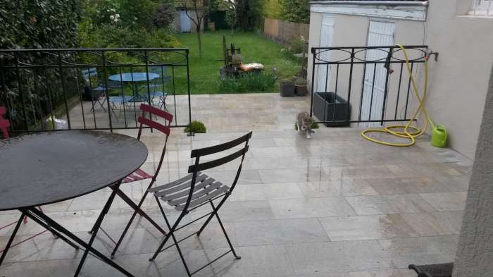 Creation d une terrasse carrelage ferronnerie annee 30 for Isolation terrasse carrelee